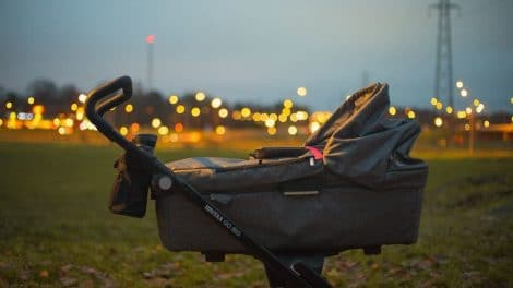 praktyczny wózek głęboki dla dziecka