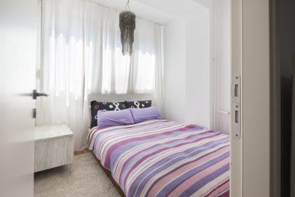 Czy mała sypialnia może być funkcjonalna i atrakcyjna jednocześnie